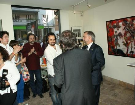 Romeo Niram primind Premiul Mac Dinamizare Culturala