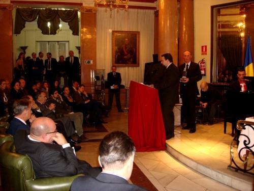 Lansarea Editurii Niram Art, Madrid - Héctor Martínez Sanz (foto:  Defeses Fine Arts)