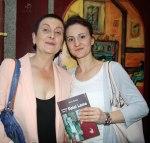 Irina Szasz, Juiciosa con el Dalai Lama, Niram Art Editorial